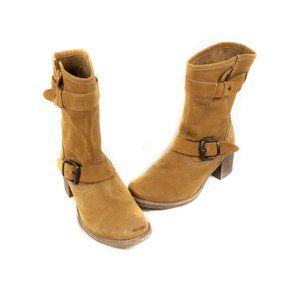 ✨3/$25✨Matisse Early Women's Brown Suede Boot - 6